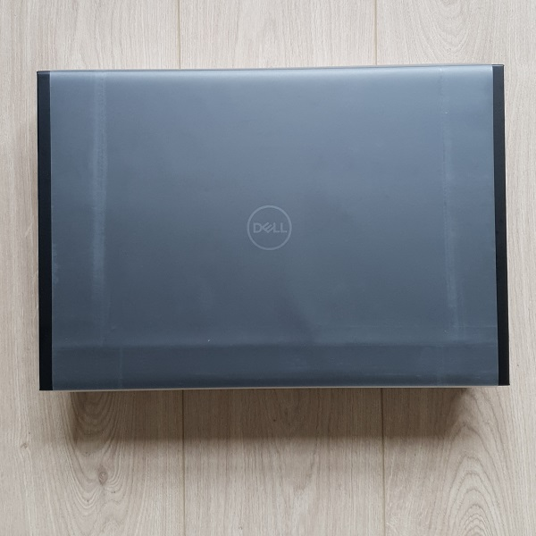 Dell XPS 17 Box