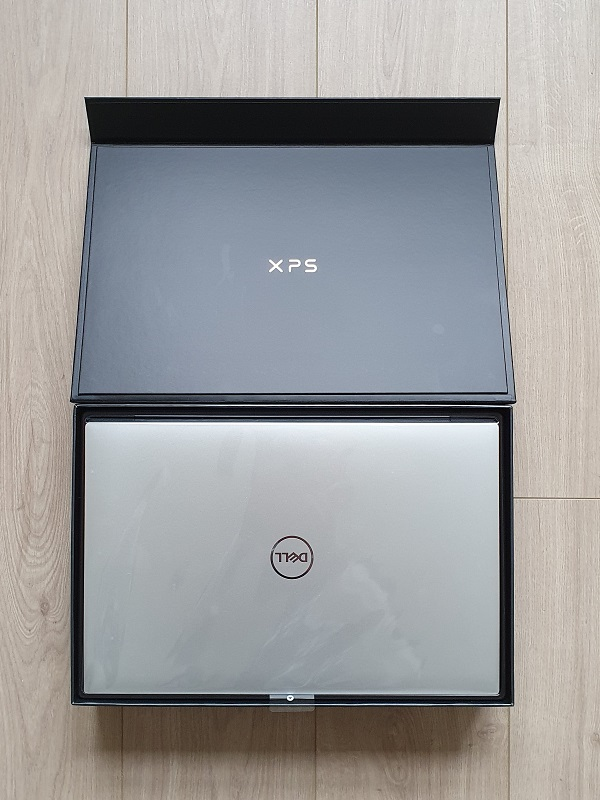 Dell XPS 17 in Box