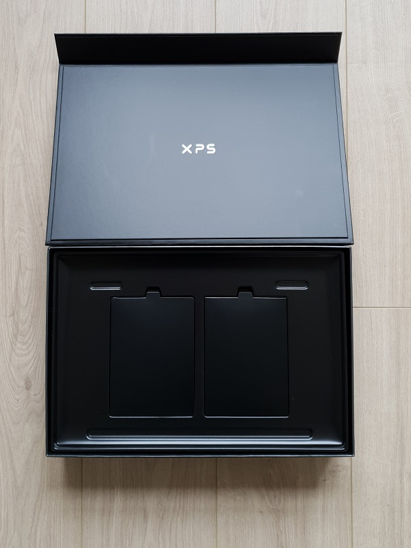 Empty Dell XPS 17 Box